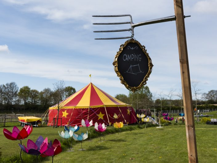 trouwfestival circus camping