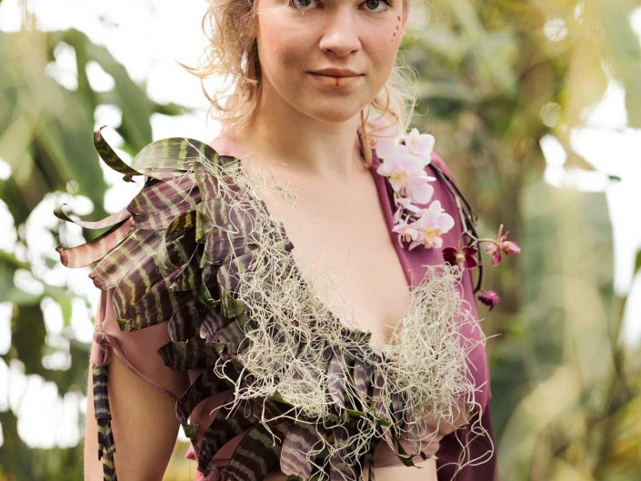 Love Tales - Elvire Van Ooteghemfotoshoot-koppel-droombeeld-sprookje-fairytale-bloemen-fantasy-2
