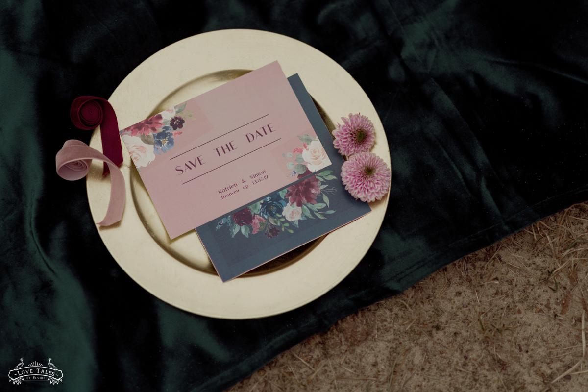 dark lush trouwfotograaf bruidsfoto bridal bloemenkroon flower crown
