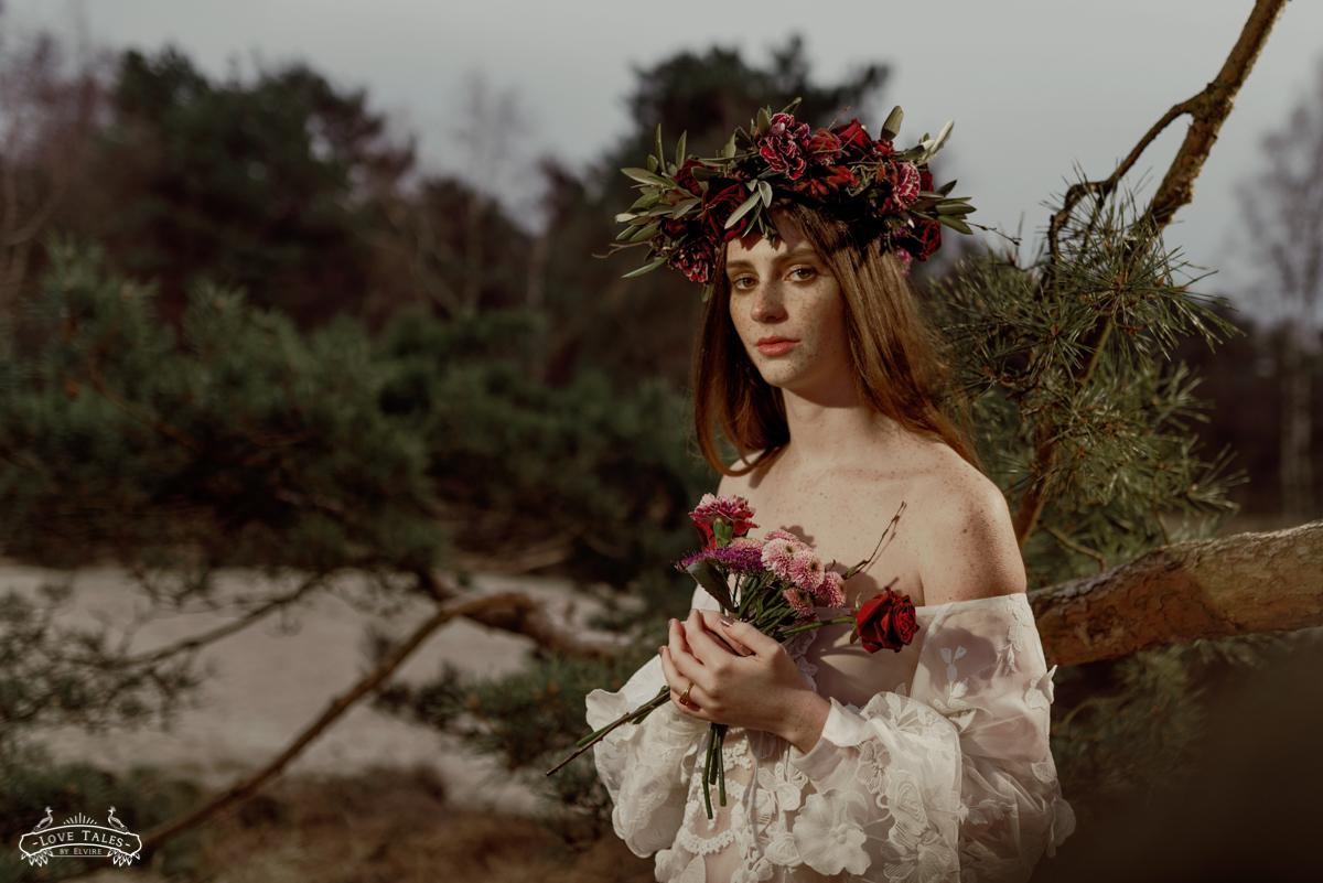 trouwfotograaf bruidsfoto bridal bloemenkroon flower crown