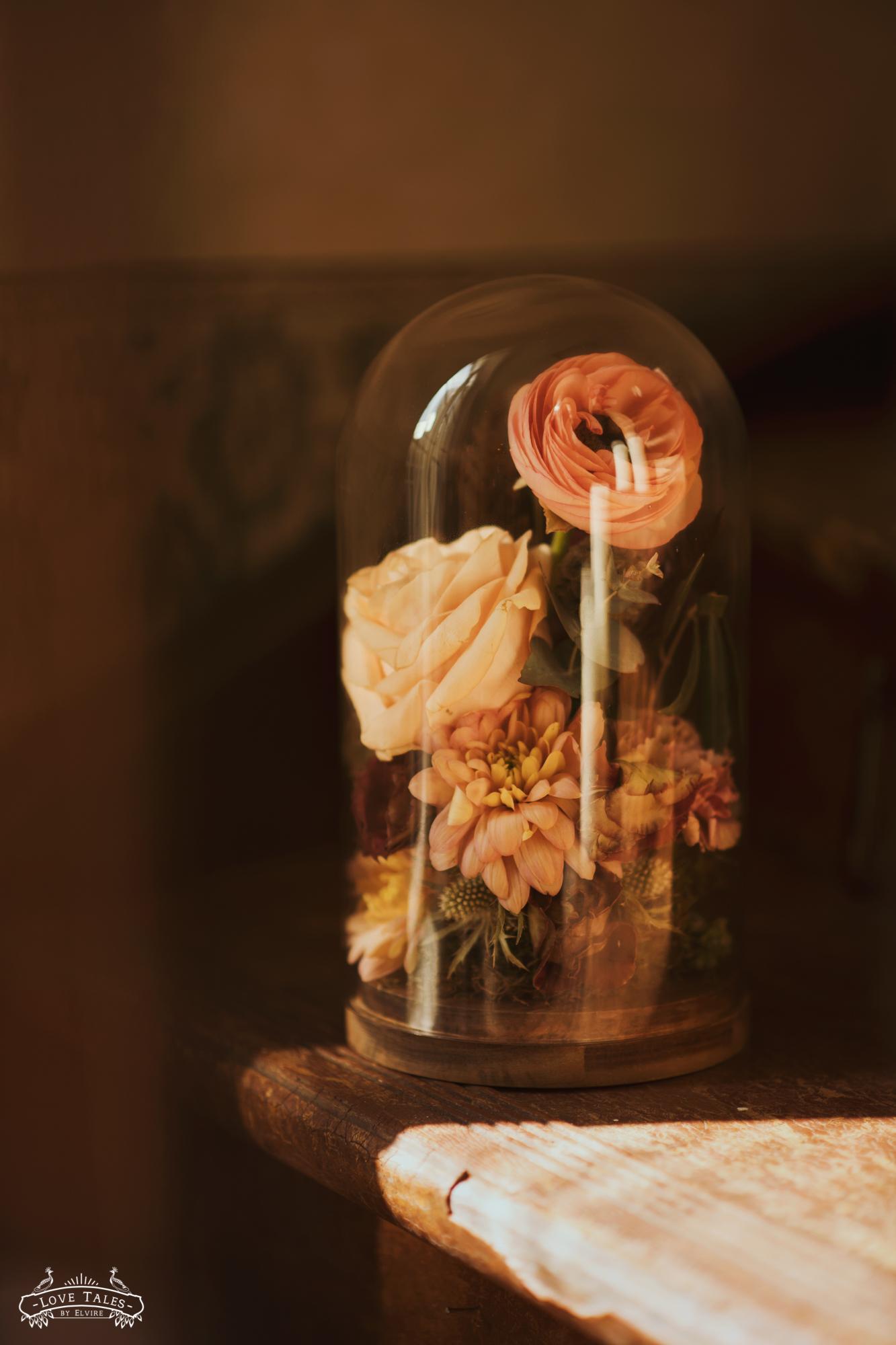 trouwfotograaf trouwreportage fairytale sprookje disney enchanted rose trouwboeket