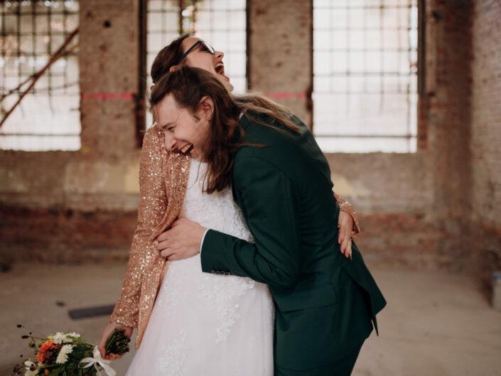 trouwfotograaf spontaan vrolijk