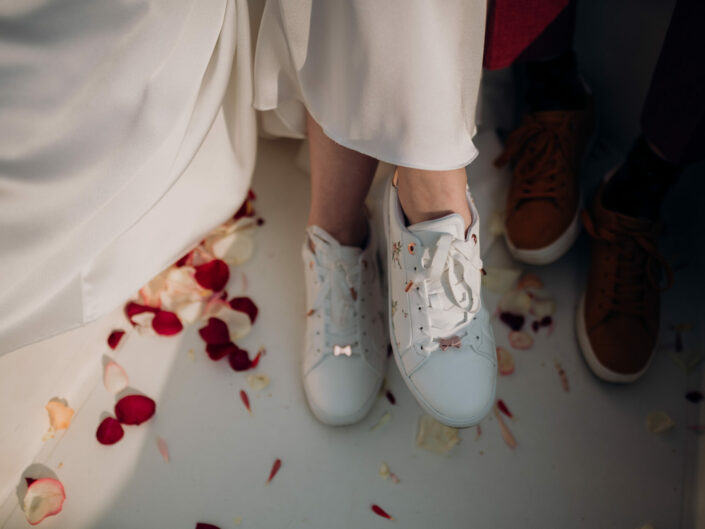 trouwfotograaf rozenblaadjes